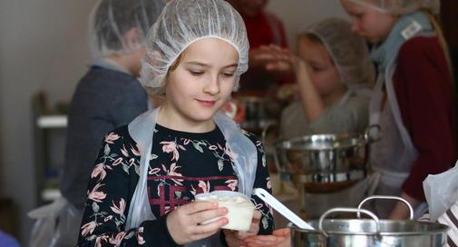 OZ berichtete – Kleine Käser lernen altes Handwerk