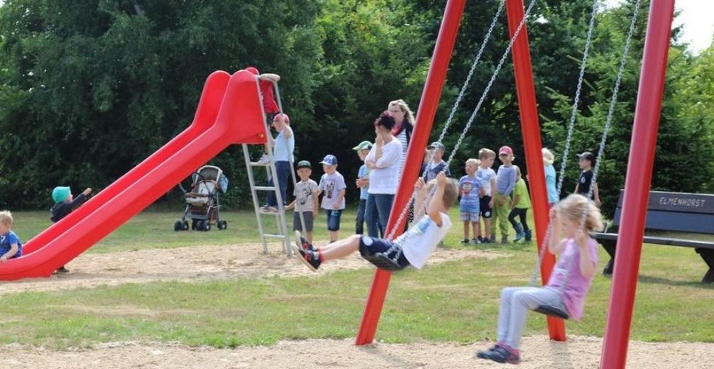 OZ berichtete – Kinder erstürmen Rutsche & Co