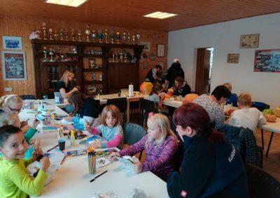 NEWS - 2019_11 - Kinderbasteln vor dem Oktoberfeuer in Elmenhorst 3
