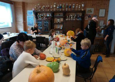 NEWS - 2019_11 - Kinderbasteln vor dem Oktoberfeuer in Elmenhorst 4