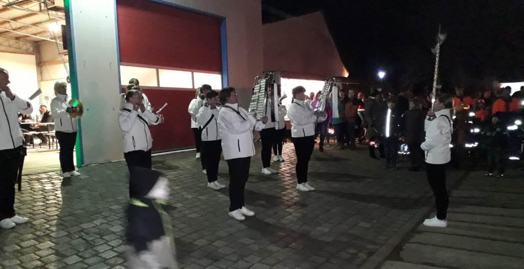 Oktoberfeuer loderte traditionell wieder in Elmenhorst