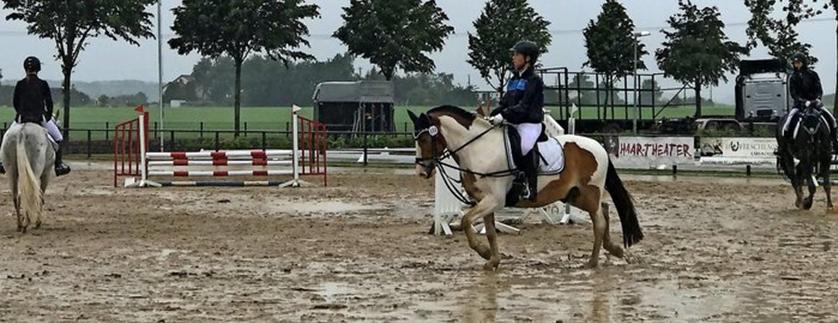 OZ Beitrag – Junge Reiter starten in Elmenhorst endlich in die Turniersaison